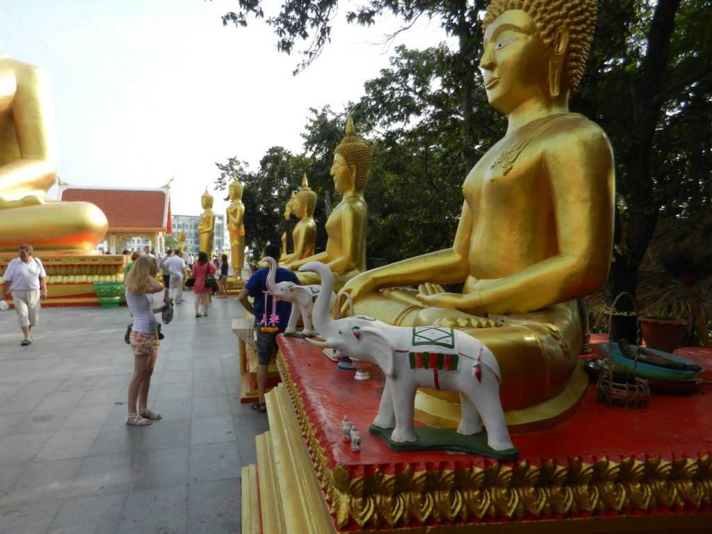 Малые статуи Будды