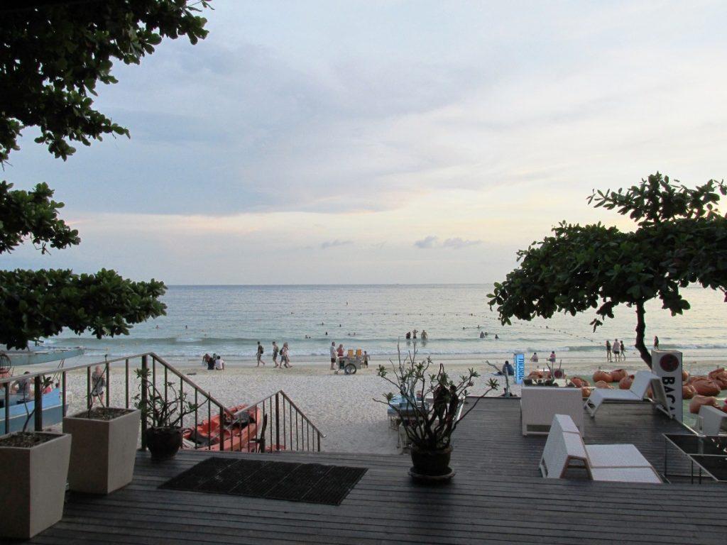 Море и пляж. Вид из отеля